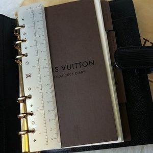 Louis Vuitton Agenda MM black Epi